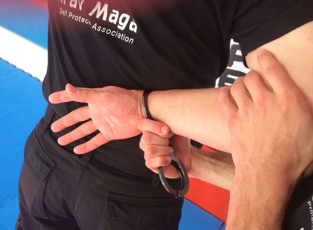 Krav Maga Self Protect Fesselungstechnik